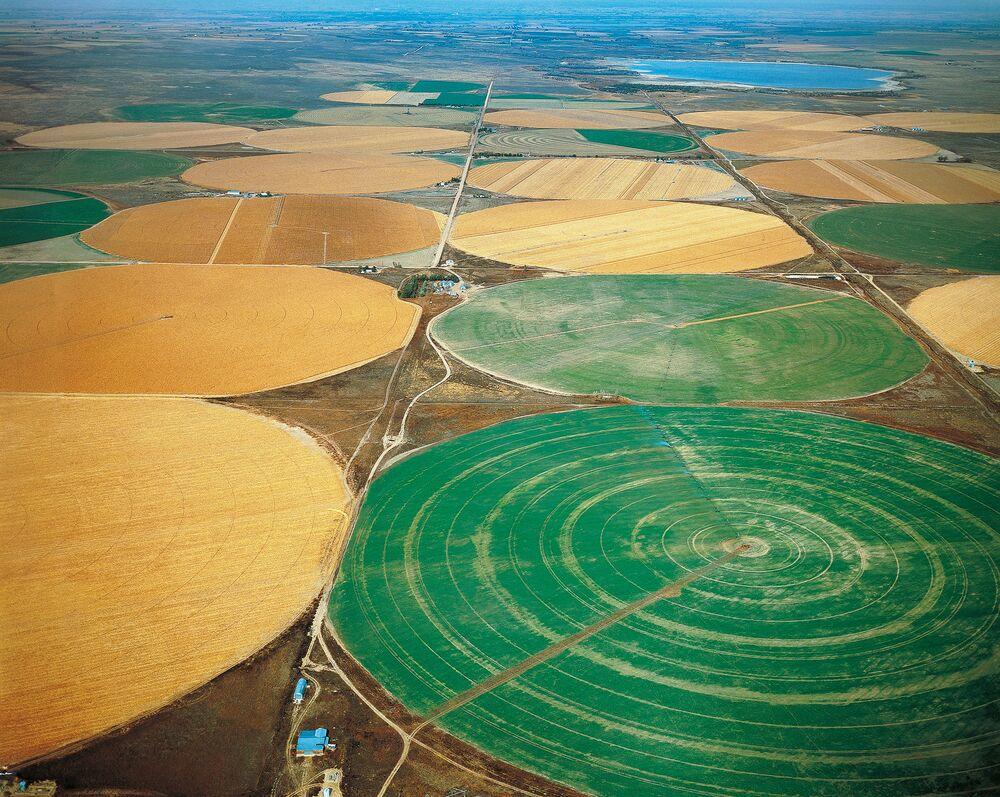Great Plains Water Crisis: Aquifer's Depletion Threatens Farmland