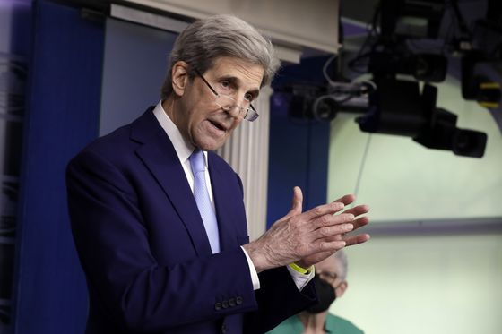Kerry Will Visit India to Press for Stronger Efforts on Climate