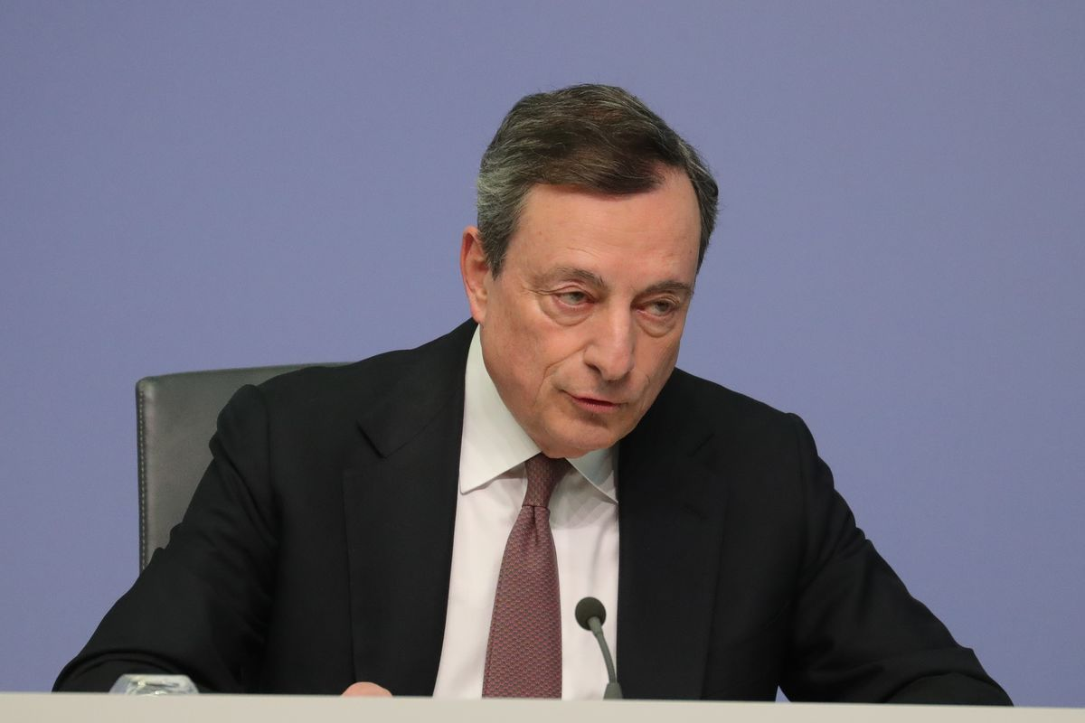 Draghi Signals Bank-Loan Tool Is ECB's First Defense to Slowdown