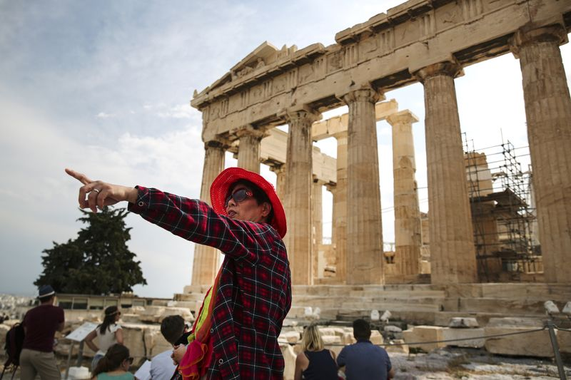 Για να κατανοήσετε την κινεζική ανάπτυξη, δείτε τους τουρίστες