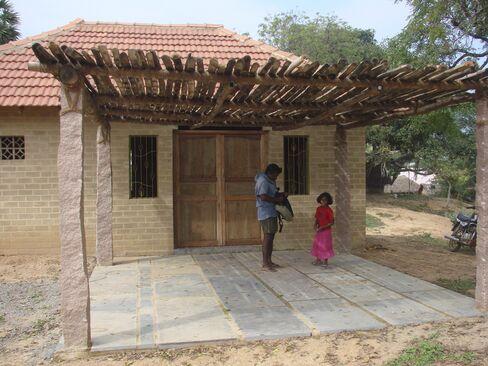 Nadukuppam Vangala Women's Center