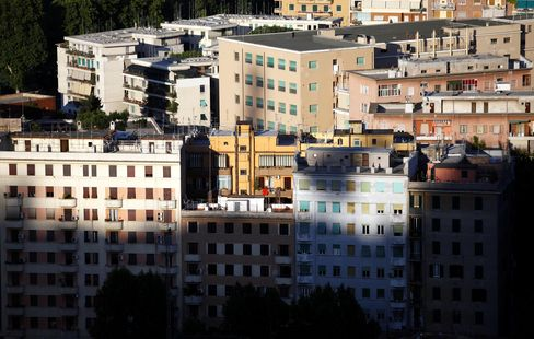 Italians Dodge Property Tax in Test for Monti's Austerity