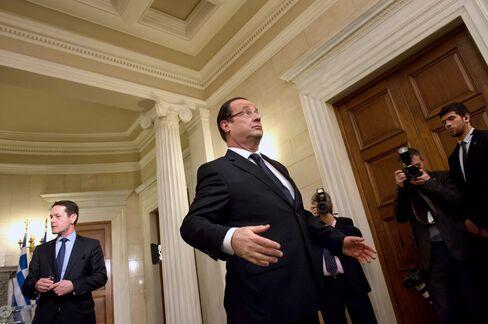 Hollande Eyes French Insurers' EU1.38 Trillion to Spur Housing