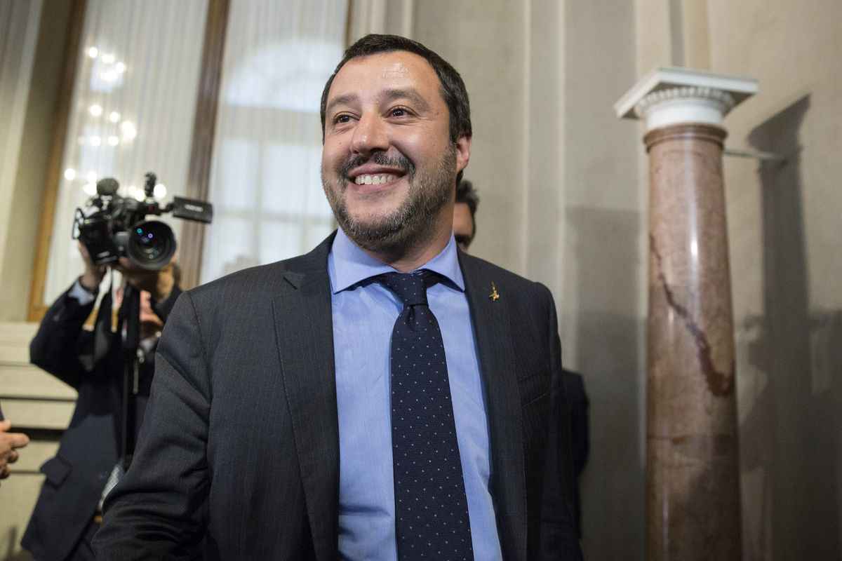 Italy Offers May Brexit Olive Branch as Grassroots Tories Revolt