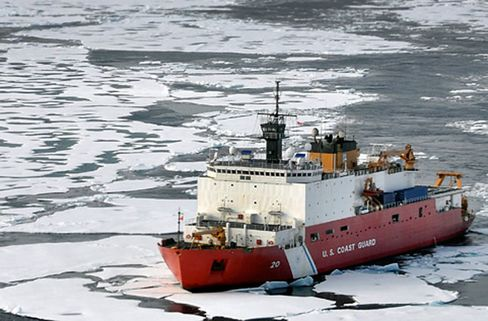 Shell-Led Arctic Push Finds U.S. $3 Billion Shy in Icebreakers