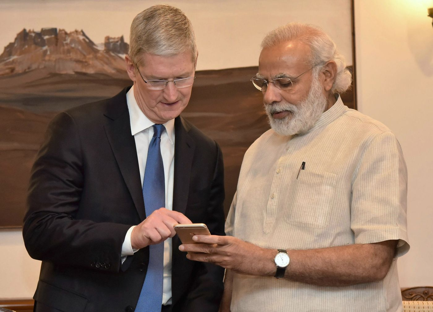 Apple To Launch Online Shopping Store in India Next Month: Bloomberg