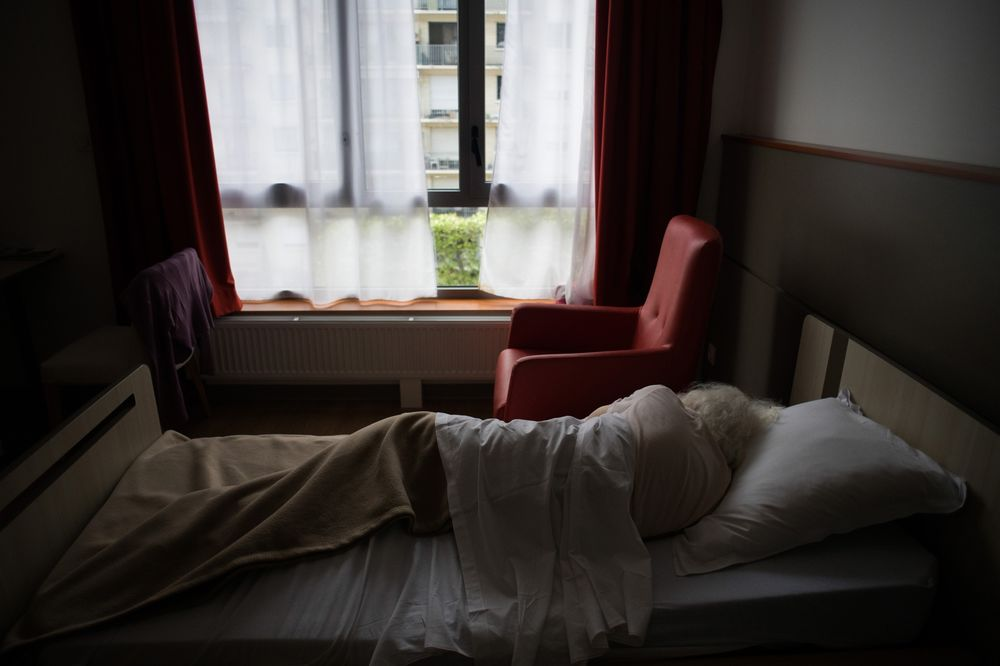 Covid-19: UK Care Home Death Rate May Be 13x Higher Than Germany - Bloomberg