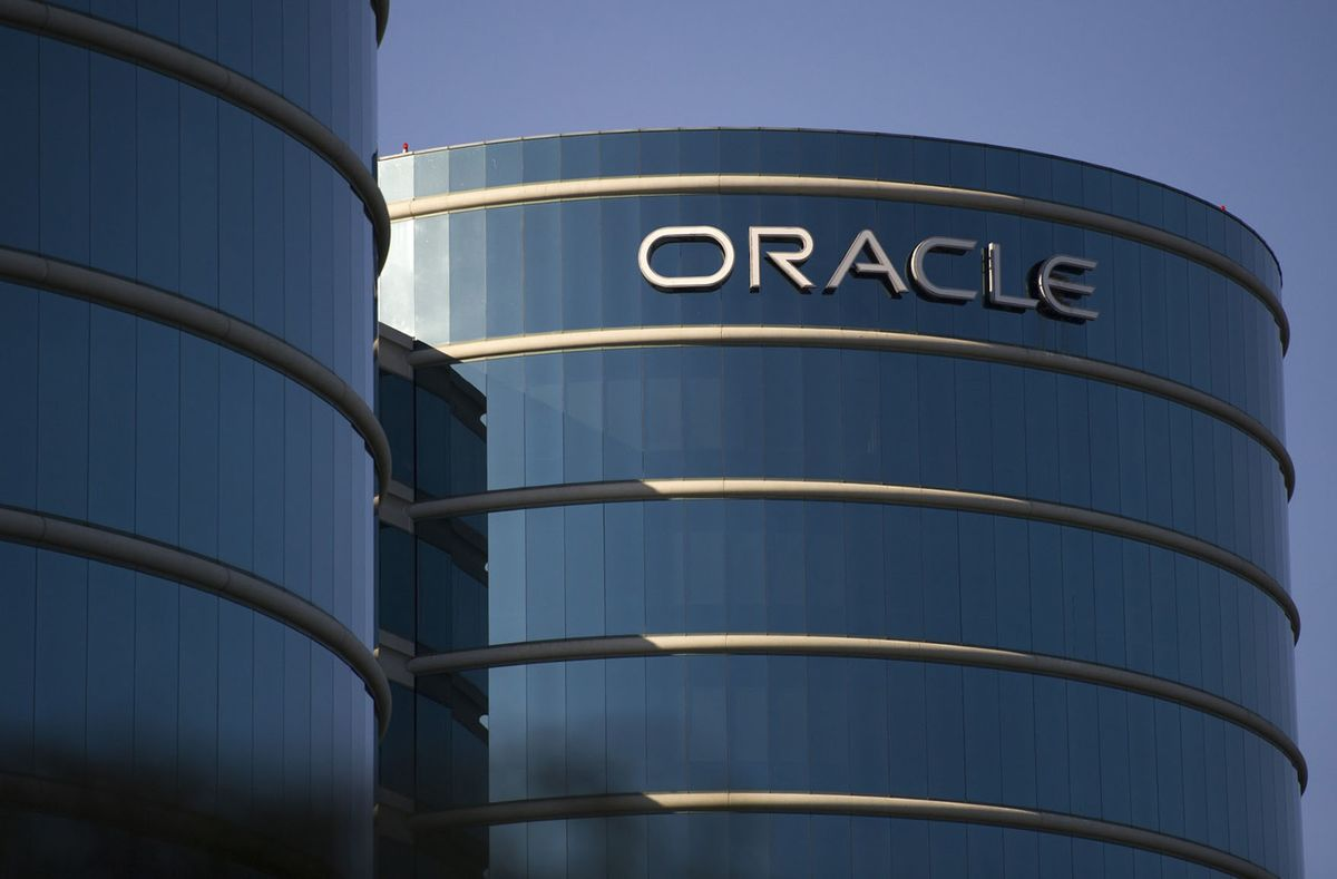 Oracle Tumbles on Fears It Can't Keep Up With Its Rivals
