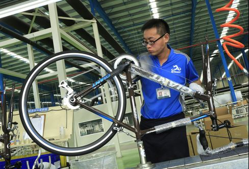 China's Manufacturing Expands at Fastest Pace Since May 2011