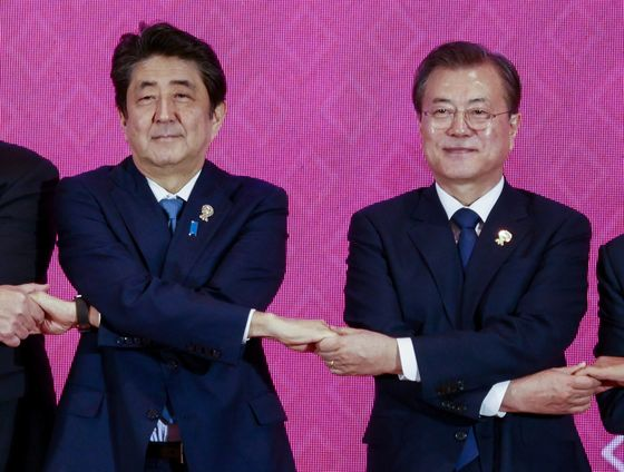 U.S. Sees Japan-South Korea Thaw as Last Hope to Save Intel Pact