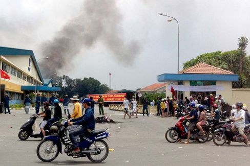 Vietnam Will Be the Loser in the Anti-China Riots