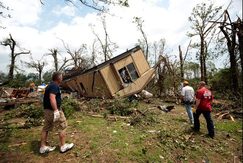 U.S. Faces Third Day of Storms After Oklahoma Devastation