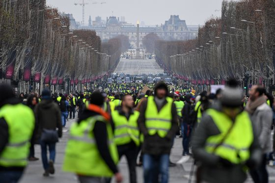 French Yellow Vest Protests Lose Steam After Macron Concessions