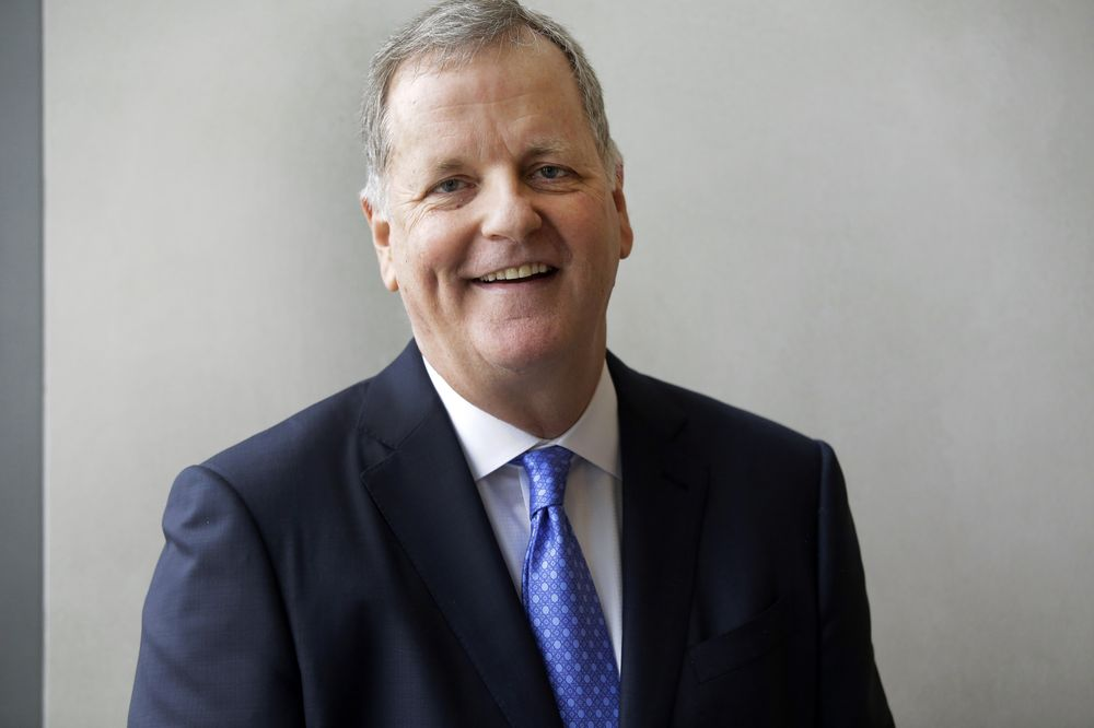 American Air CEO Says 'We Shall See' How to Get Customers on Max