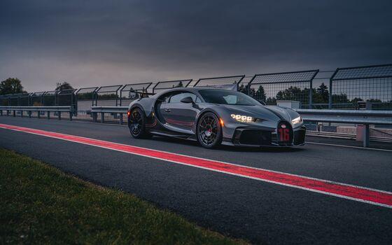 The Bugatti Chiron Pur Sport Is a $3.6 Million Rebuke to Electrics