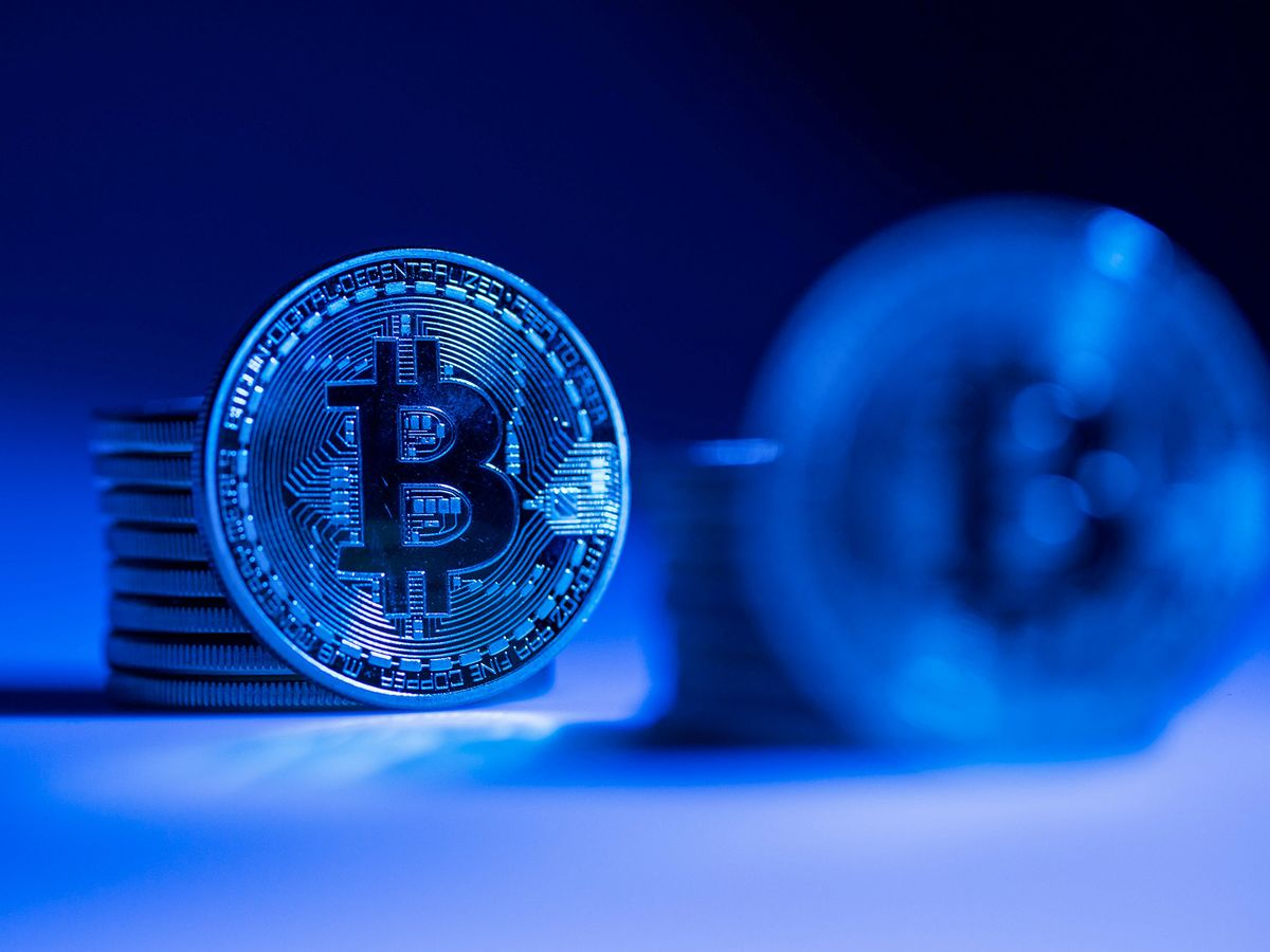 Crypto Exchange Takes on Behemoths With Physical Bitcoin