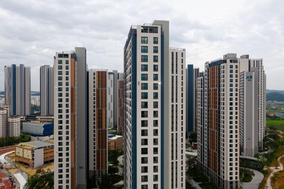 Broke Millennials Turn to Day Trading to Strike It Rich in Korea