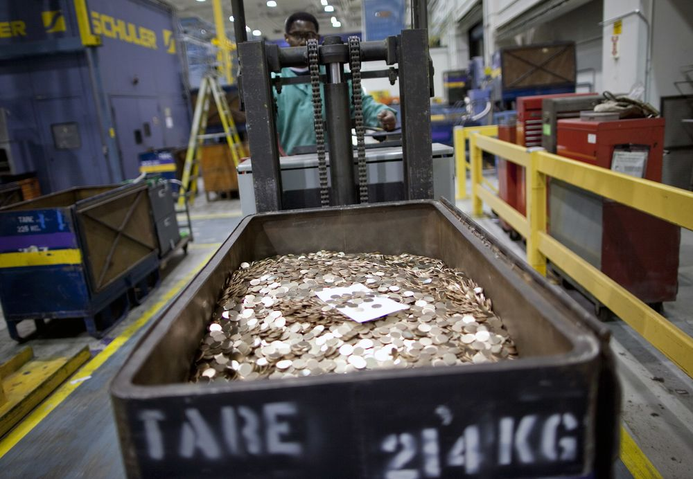 The Trillion-Dollar Platinum Coin Is Back - Bloomberg