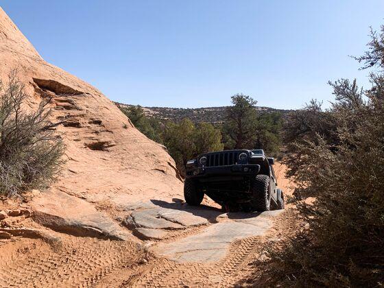 The New Jeep Wrangler Rubicon 392 Is Like Old Faithful on Viagra