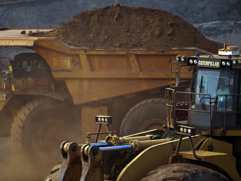 Vale Holds Talks to Expand World's Biggest Open-Pit Iron Mine