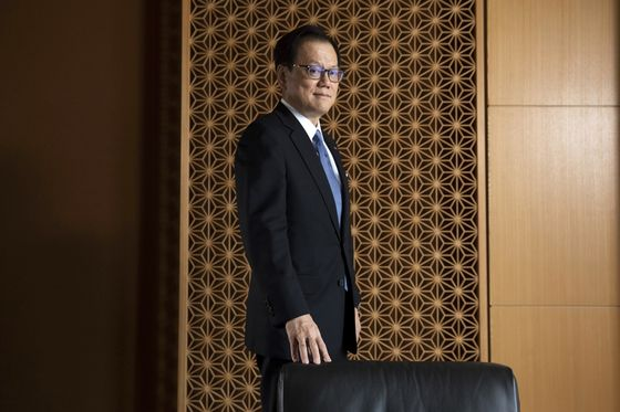 Mizuho CEO SaysPath to Take On theAsian Retail Banking Business Is Online