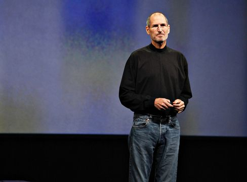 Jobs Takes Leave as Weight Loss Is Said to Continue