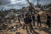 relates to イスラエル軍、ガザへの地上攻撃開始-空爆に加え戦車と迫撃砲で