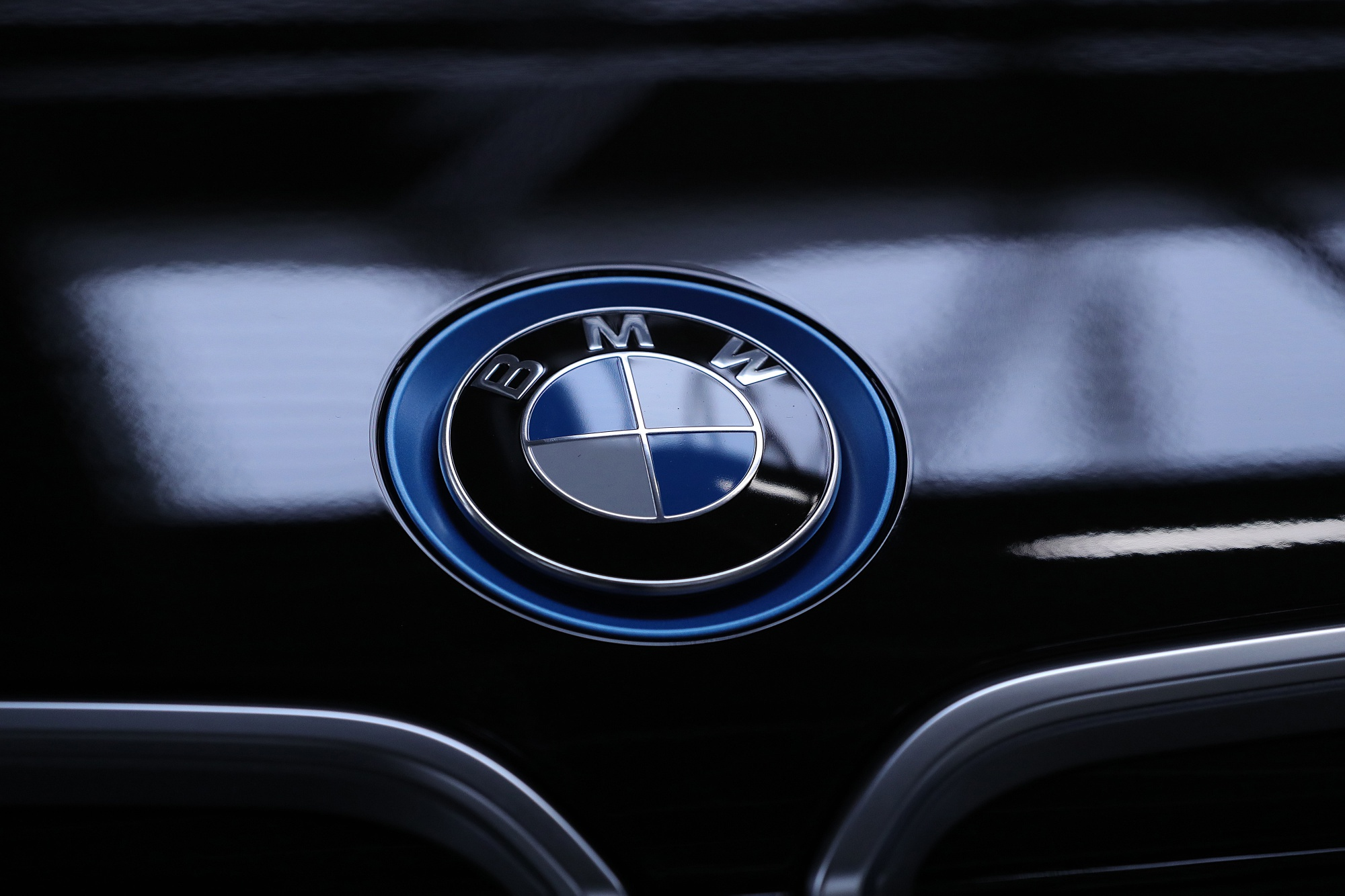 bloomberg.com - Oliver Sachgau - BMW Is Weeding Out Its Lineup to Prepare for the Electric Future