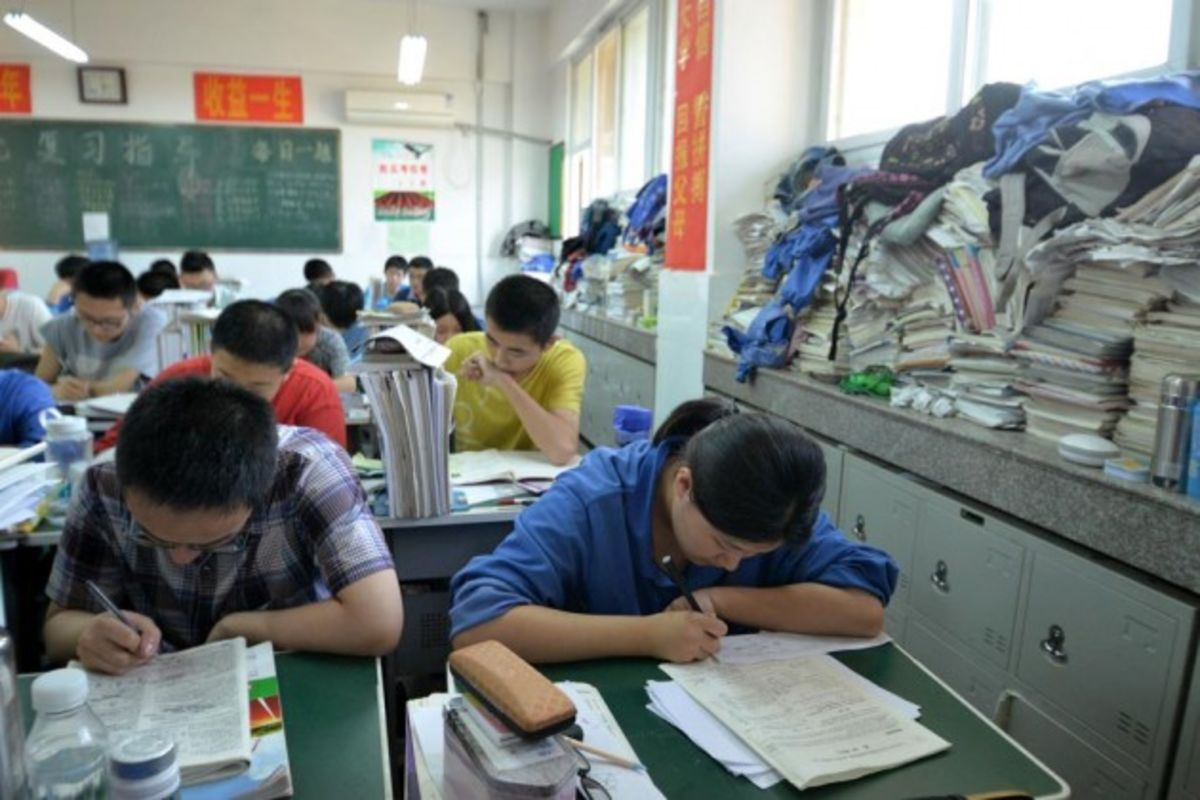 essay in china The word paper is etymologically derived from papyrus, ancient greek for the cyperus papyrus plant papyrus is a thick, paper-like material produced from the pith of the cyperus papyrus plant which was used in ancient egypt and other mediterranean societies for writing long before paper was used in china.