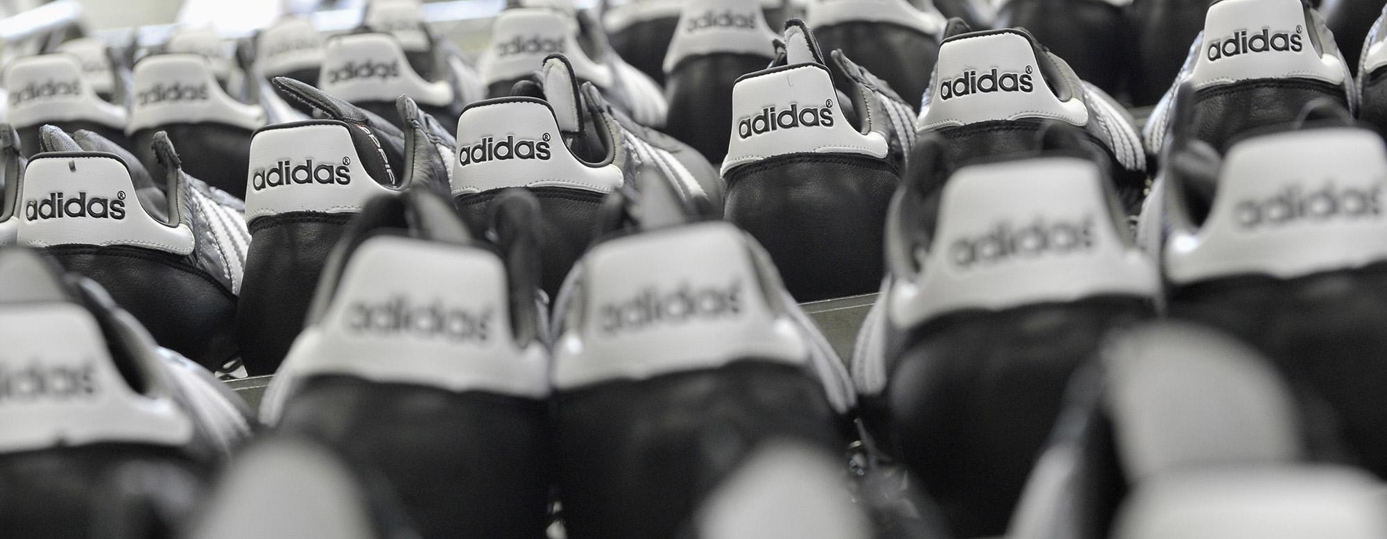 Adidas Abandons Robotic Factory