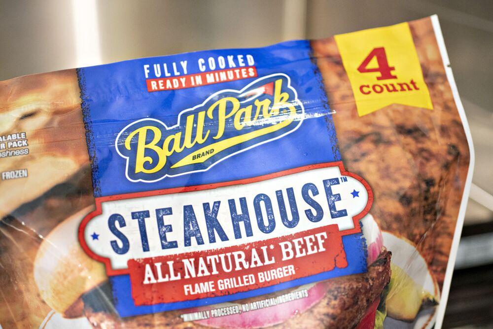 Tyson Foods Outlook Tsn Beef Is Hot Chicken Is Not Bloomberg
