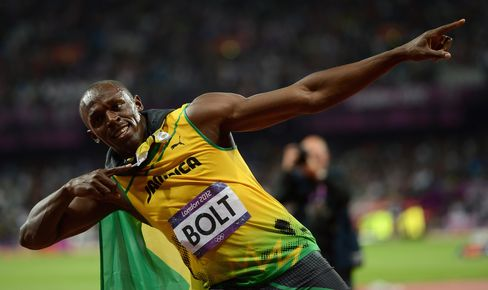 Bolt Retains Olympic 100-Meter Title as Murray Defeats Federer