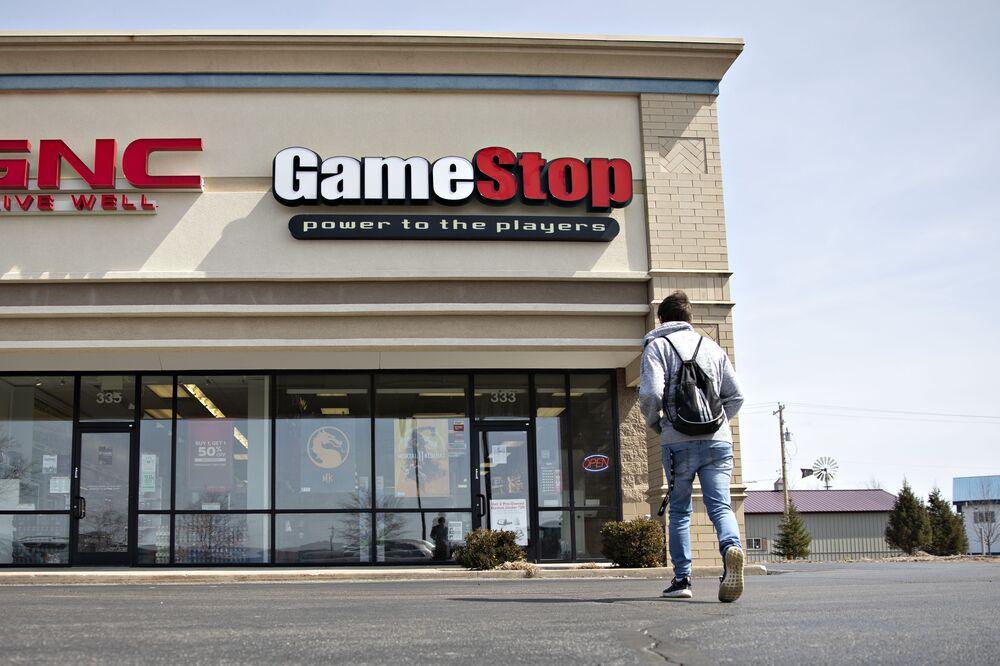GameStop Plummets After Struggling Chain Delivers a Grim Forecast