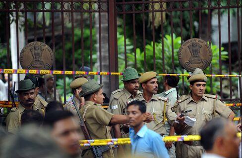 Explosion at Delhi High Court Kills Nine People, Injures 45