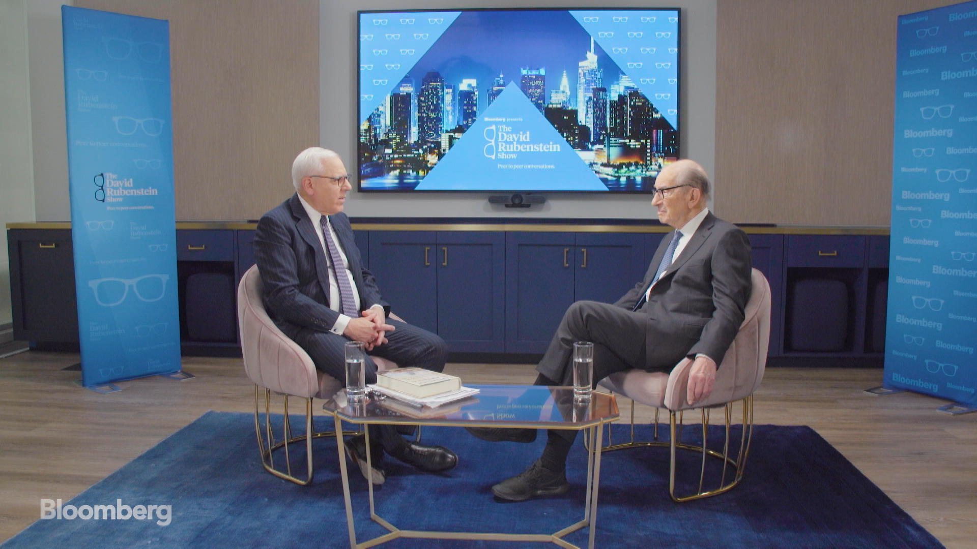 Greenspan Sees Signs of Stagflation, Threats to U.S. Economy