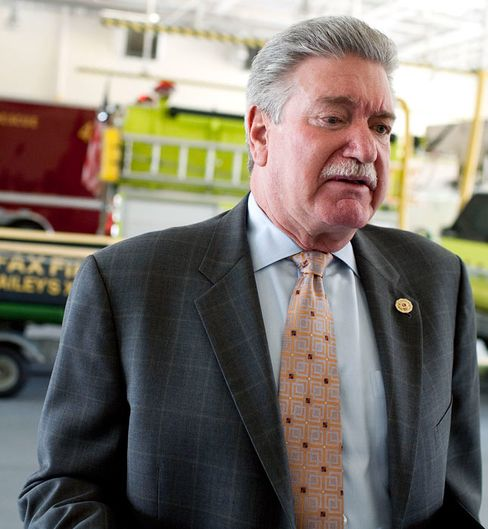 FireFighters Union Reverses Pledge to Withhold Campaign Cash