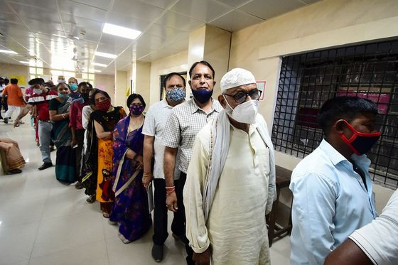 Variants May Be Driving India's Covid Surge, But It Can't Know Without Tests