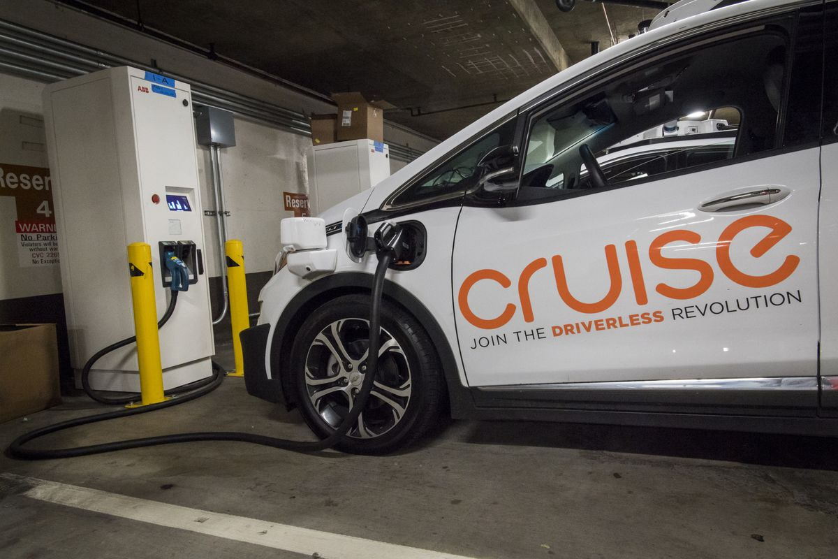 GM Puts Pieces in Place for Robo-Taxis in San Francisco