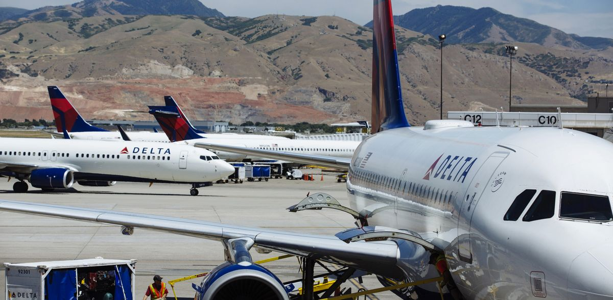 Delta to Borrow $9 Billion in Largest Airline Debt Deal Ever thumbnail
