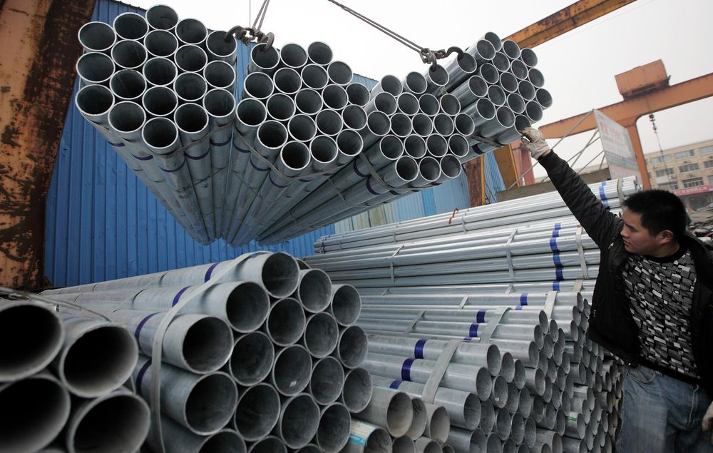 China's New Economy Seen as Steel Output Falls Most in 6