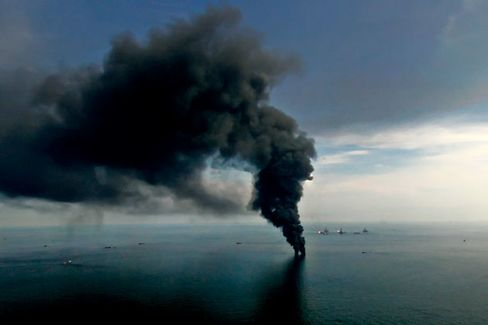 Former FBI Chief Will Investigate Oil Spill Claims Against BP