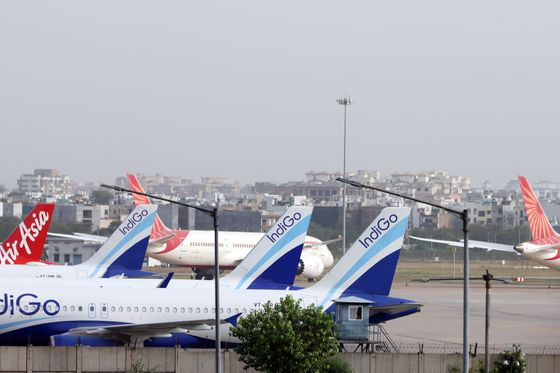 Airlines Risk Extinction as India Refuses to Rescue Billionaires