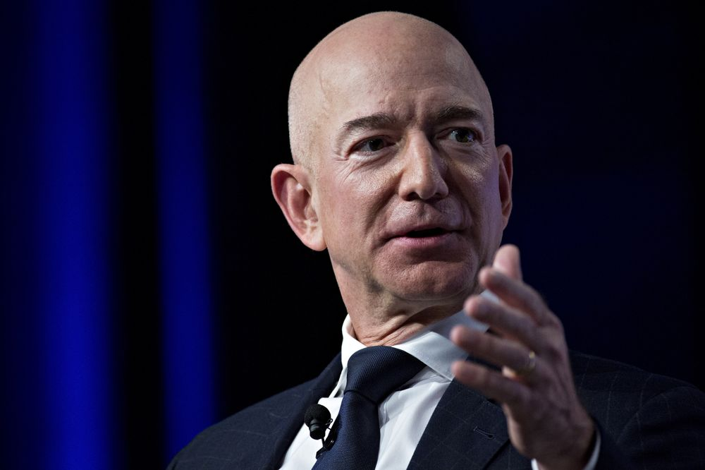 Jeff Bezos acceses nat'l enquirer of blackmail