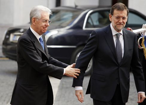Rajoy Bets Italian Woes May Ease Spain Rescue Terms: Euro Credit