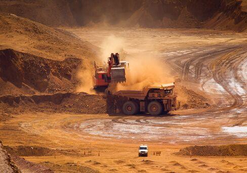 Rio Tinto First-Half Profit Drops 22% on Weaker Iron-Ore Prices