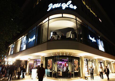 Advent Said to Plan Takeover Offer for German Retailer Douglas