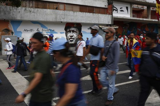 Trump Nears Key Cuba Sanctions Decision Over Support for Maduro