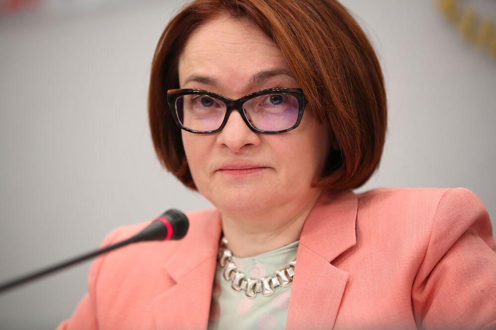 Россия смело смотрит на санкции, но корректировки все же проводит