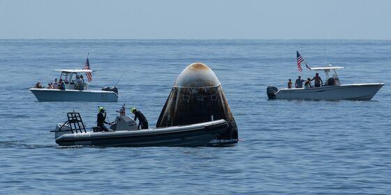 NASA Delays Milestone SpaceX Flight Until Sunday on Weather