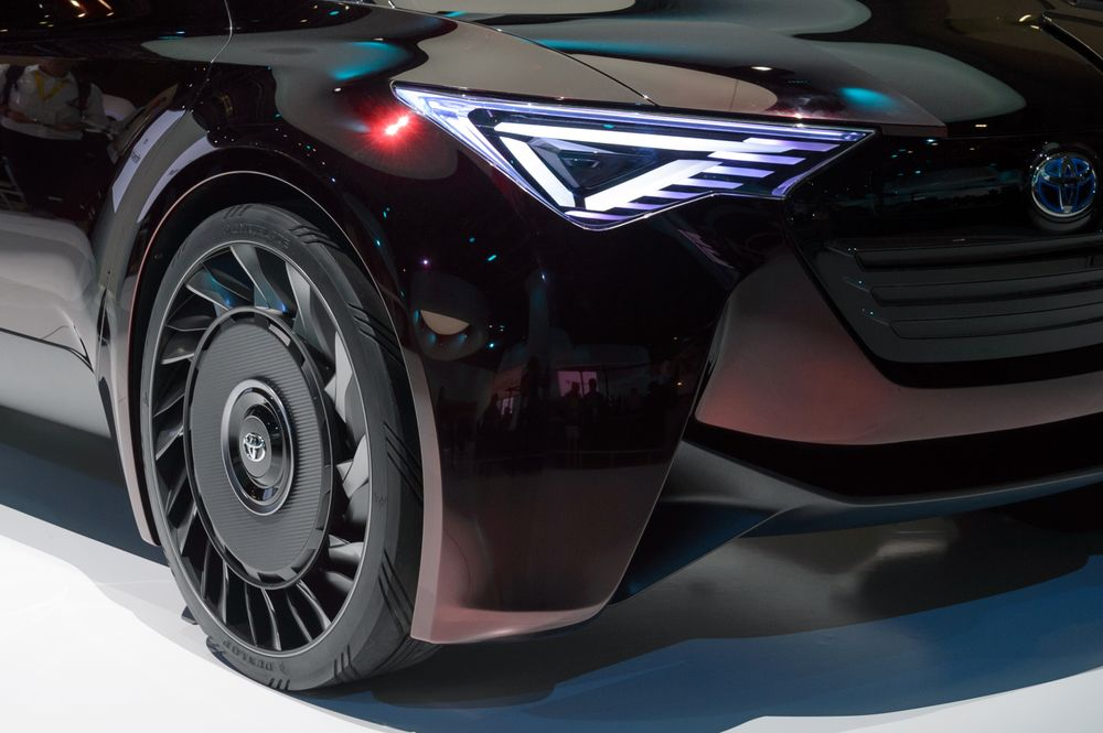 An Aireless Tire On A Toyota S Fine Comfort Ride Concept Vehicle